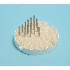 Porcelánový vypalovací stojan s kovovými kolíky (porcelánový stůl)